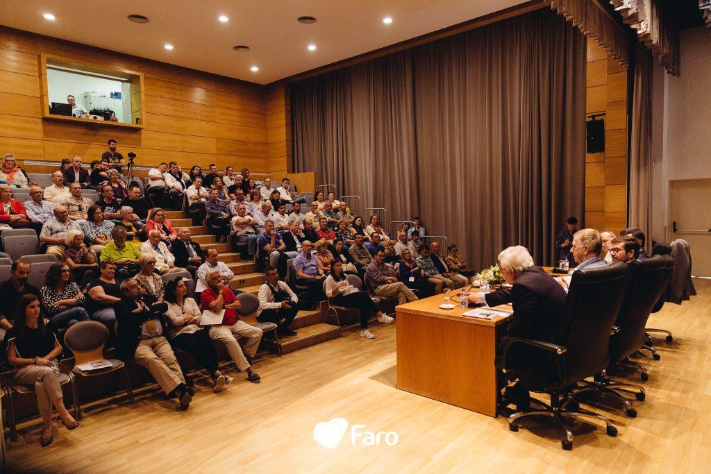 Deze afbeelding heeft een leeg alt-attribuut; de bestandsnaam is Presentation-A-Última-Aterragem-in-public-library-of-Faro-1024x683.jpg